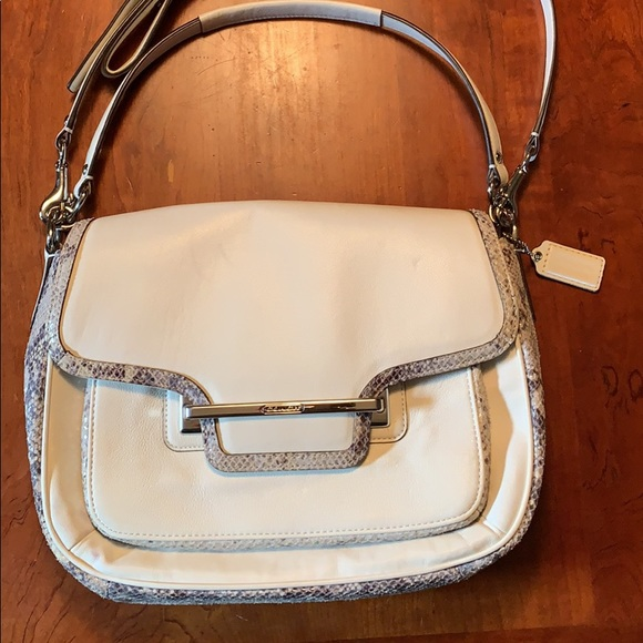 Authentic Coach Crossbody/Shoulder Bag